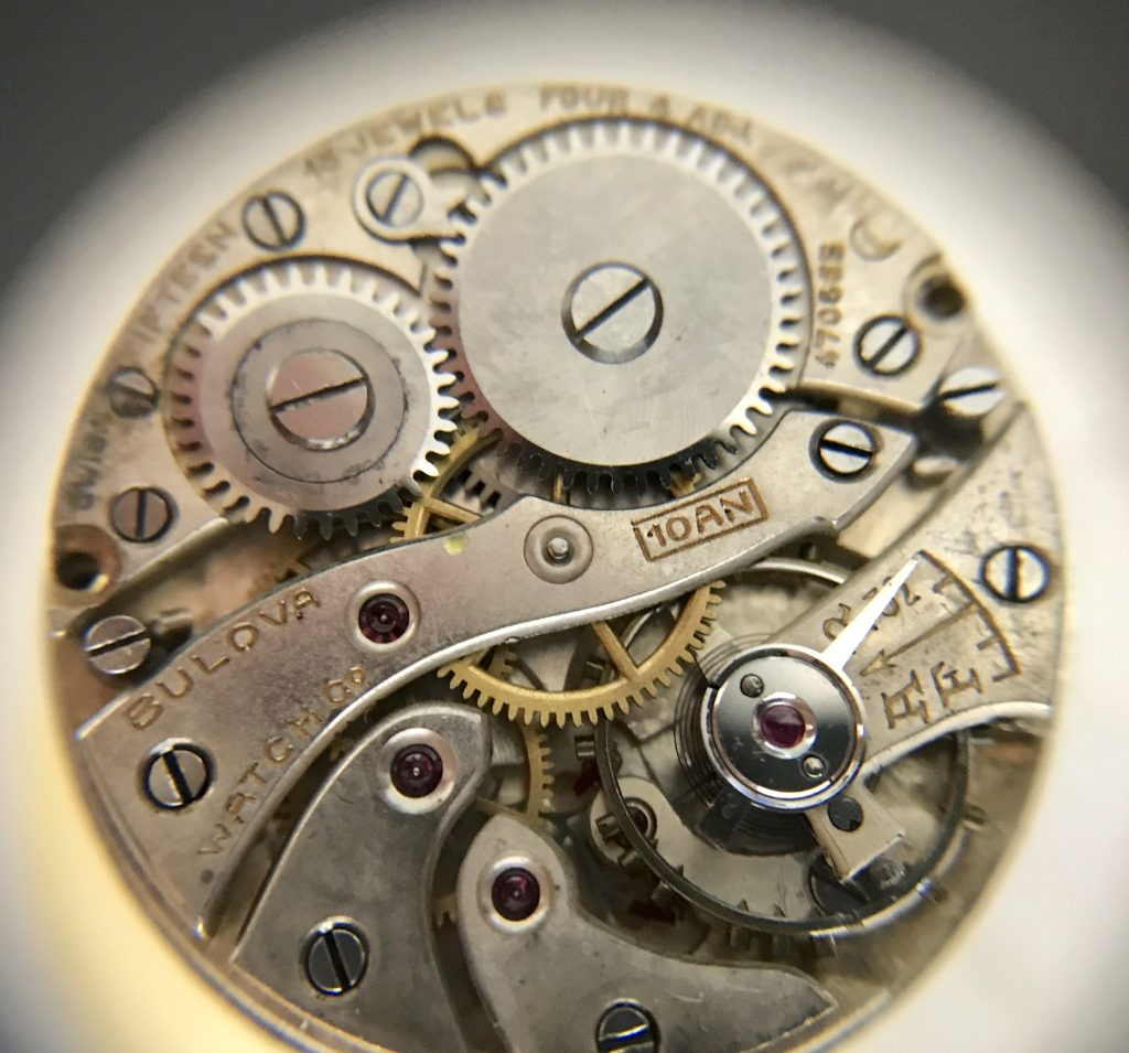SERVICE: Bulova 10AN Gents wrest watch